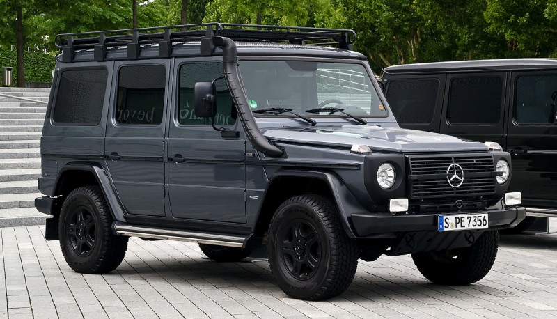 1280px-Mercedes-Benz_G_300_CDI_Professional_(W_461)_–_Frontansicht,_7._August_2012,_Stuttgart