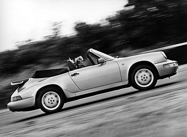 0472482-Porsche-964-Cabriolet-Carrera-2-1989