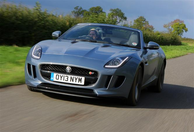 Jag_FType_Driving_151013(1)